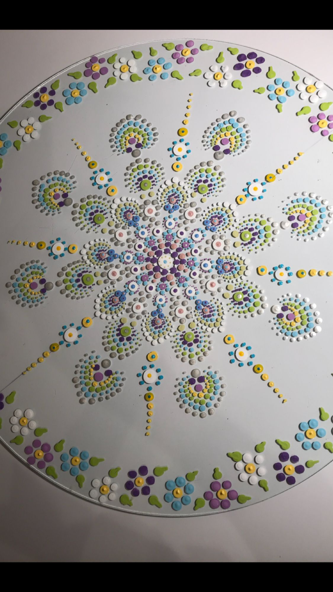 Great idea for a wool applique quilt | Quilting | Dot art