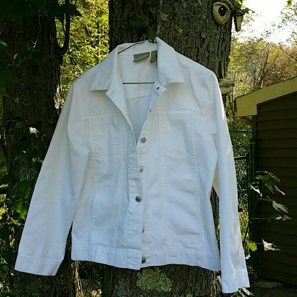 Jean jacket White jean style jacket, very clean. The breast pockets are flat without a flap as you see in the 2nd picture. 100% cotton, machine washable and bleachable. Blassport  Jackets & Coats Jean Jackets