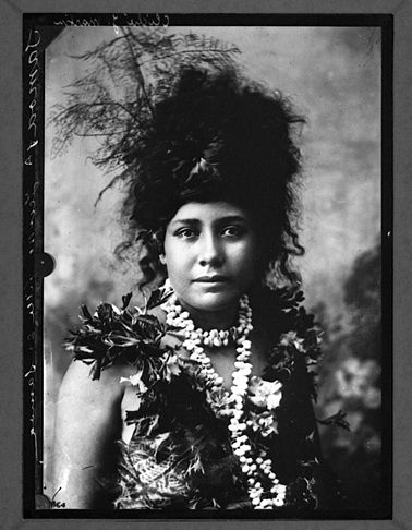 samoa girl ca. 1900-1919