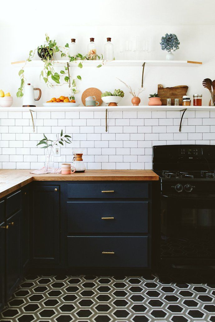 This Photographer S Serene Home Will Have You Moving To The Pnw Kitchen Flooring Kitchen Trends Interior Design Kitchen