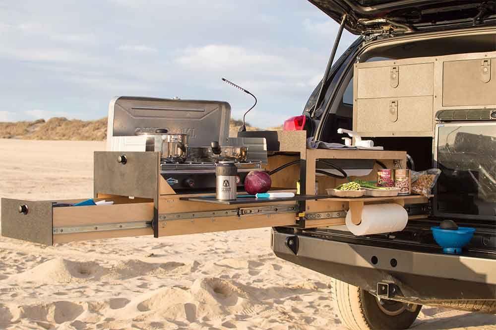 Outdoor Küchen Camping : Overland kitchen von scout equipment: die ausziehbare outdoor küche