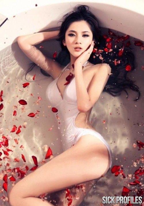 La ink naked sex
