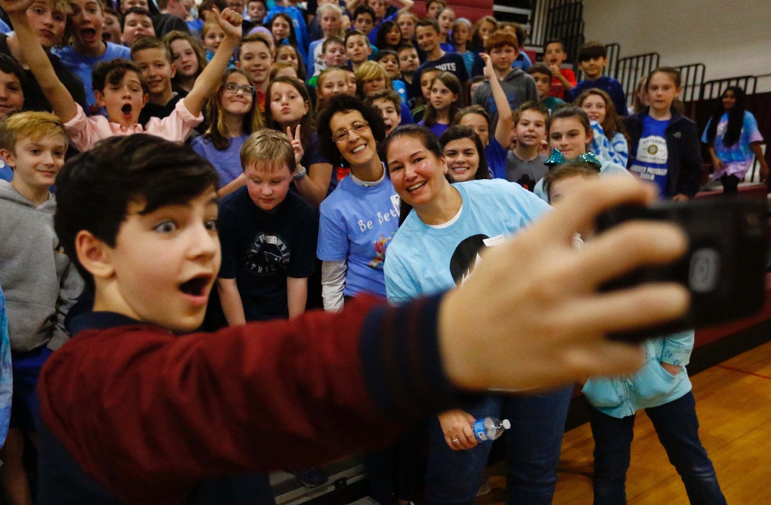 Bryce Gheisar Who Played Julian In Wonder Takes A Selfie With Fifth Grade Students At Hanover Middle School As Part Of The Wonder Fair