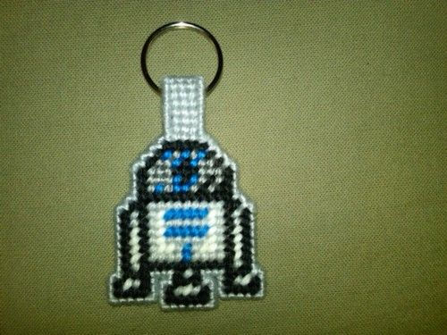 Midgie Series #1: R2-D2 key chain in plastic canvas