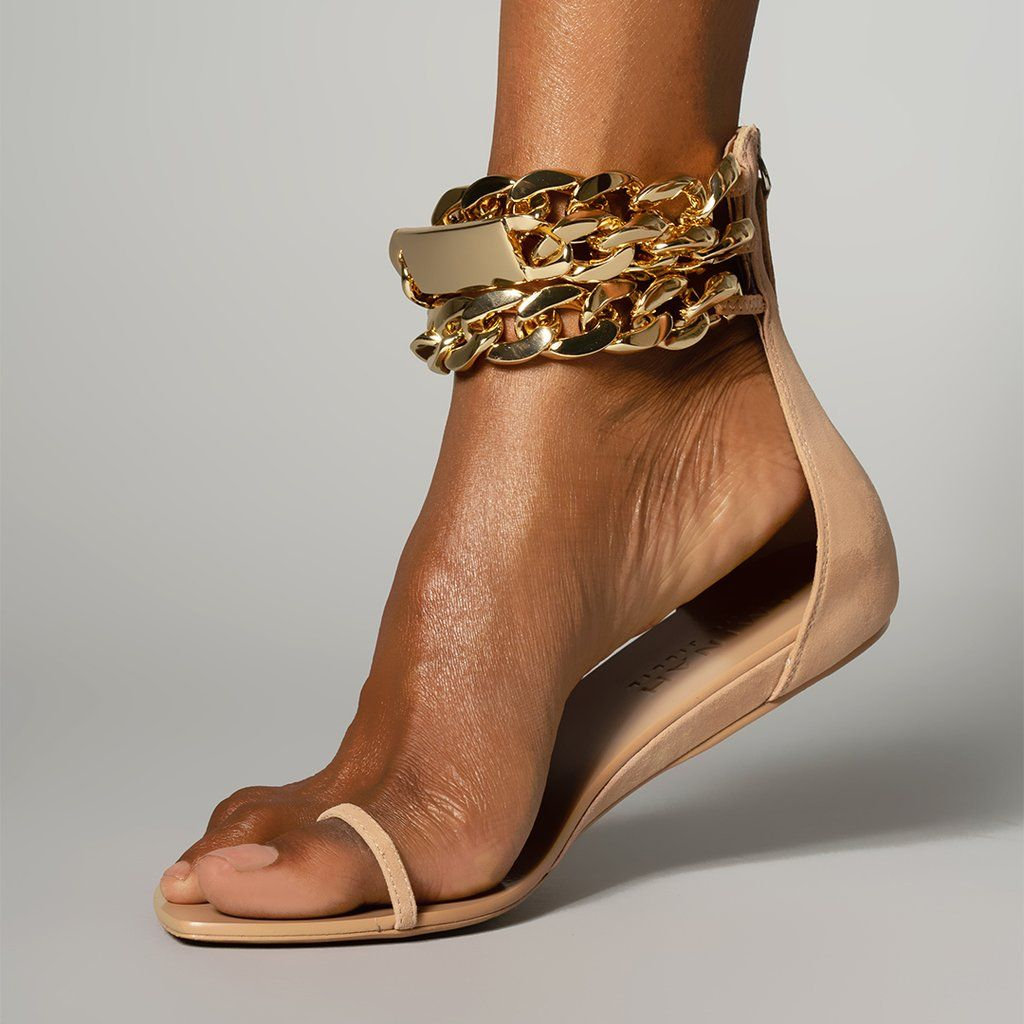 Gold Chain Flat Sandal Tan In 2020 Trending Shoes Floral Boots Fall Shoe Trend