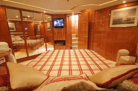 Vogue of Beaulieu Sunseeker Luxury Yacht Charter