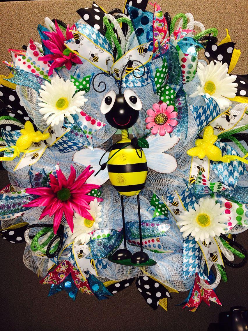 Bumblebee spring wreath