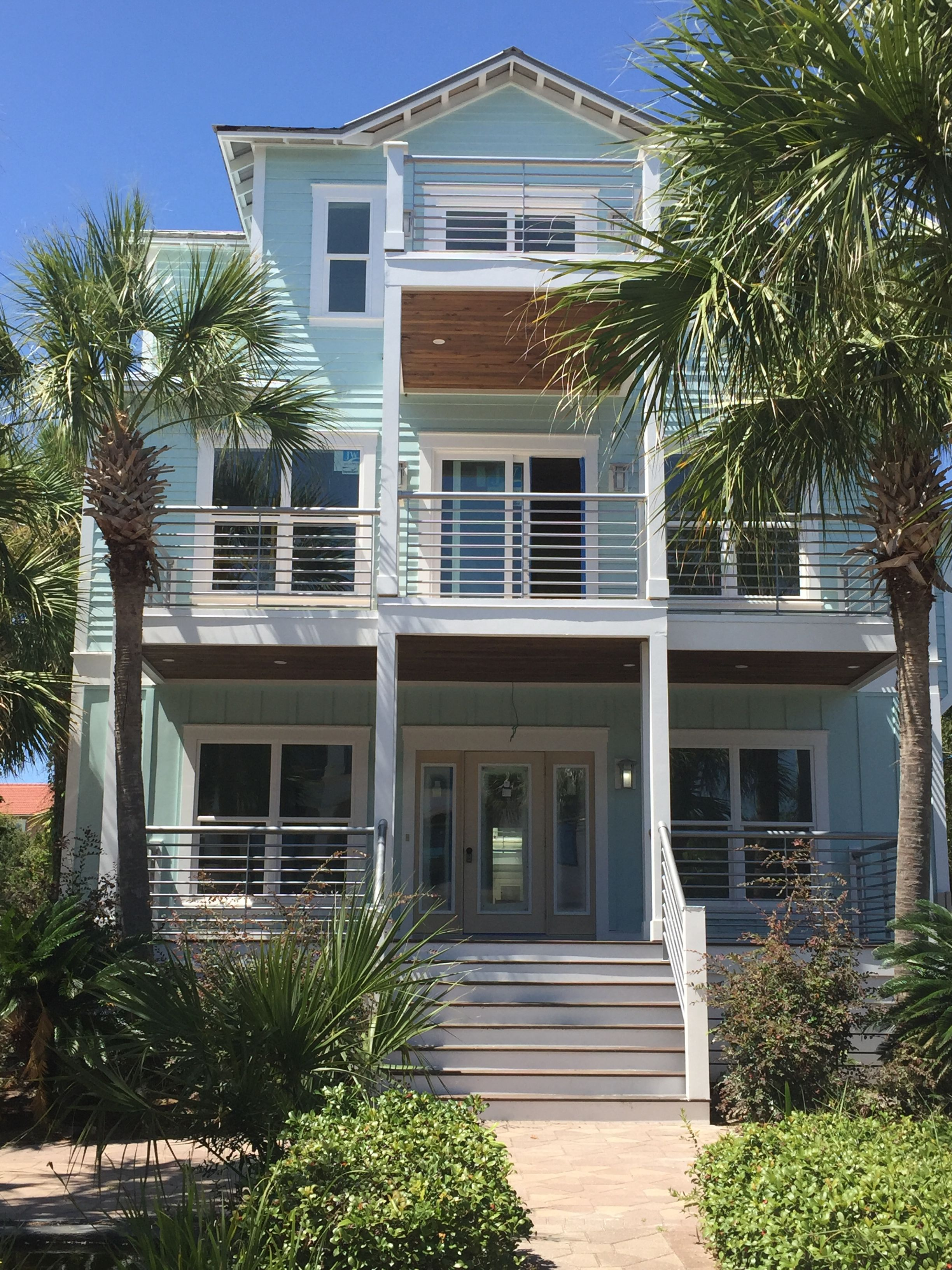 Beautiful Exterior House Colors Design: Beautiful Rental Home In Destin, FL. The Color Is Sherwin