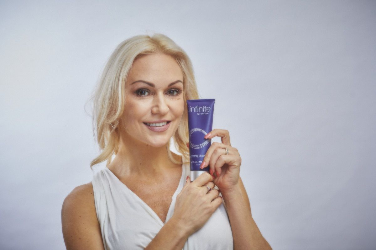This Infinite Hydrating Cleanser is a part of the Infinite anti-ageing range, with its hydrating, softening, properties it works perfectly in your anti-ageing routine. #AntiAgeing #namasteforever #naturalingredients #Aloe