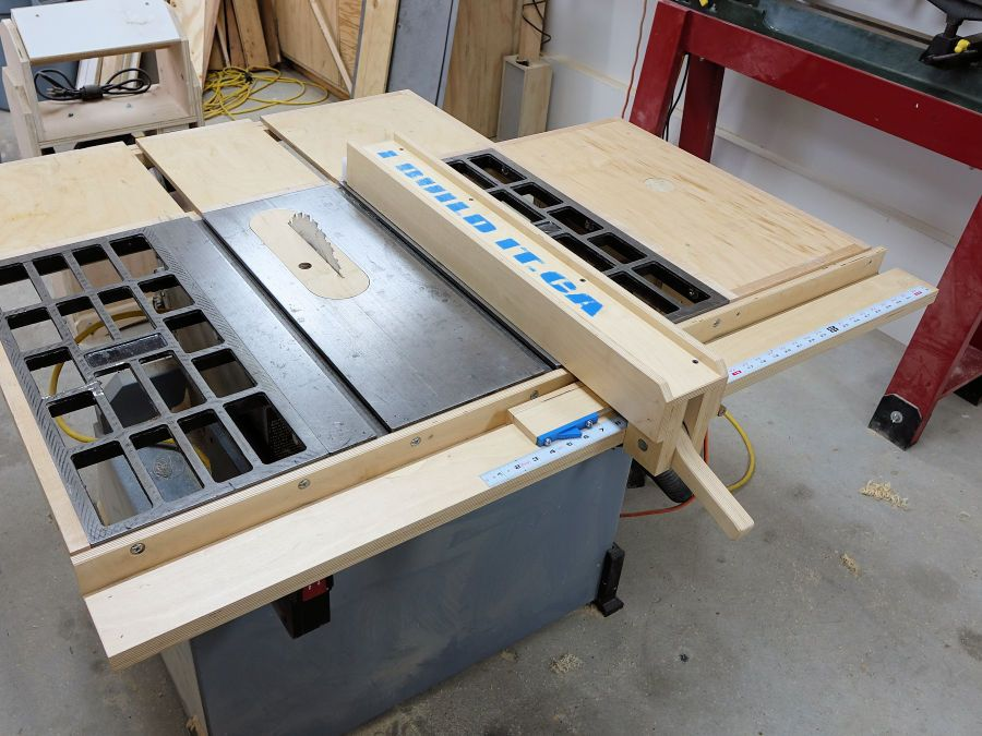 Build a custom replacement fence for my old table saw