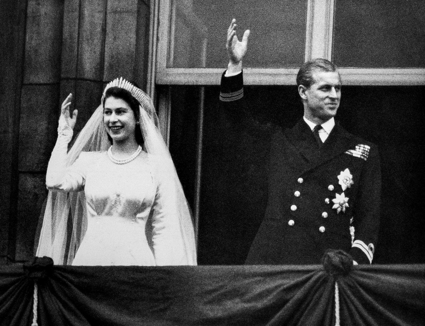 Royal Wedding Princess Elizabeth And Prince Philip S 1947 Wedding Queen And Prince Phillip Princess Elizabeth Queen Elizabeth