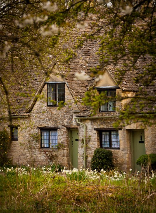 Cozy Cottage in Gloucestershire, England! (With images