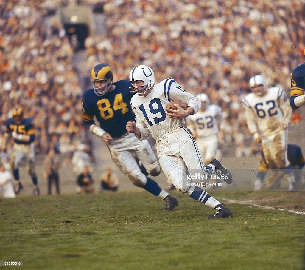 Baltimore Colts QB John Unitas in action vs Los Angeles Rams Bob Long... | Baltimore colts, Nfl ...