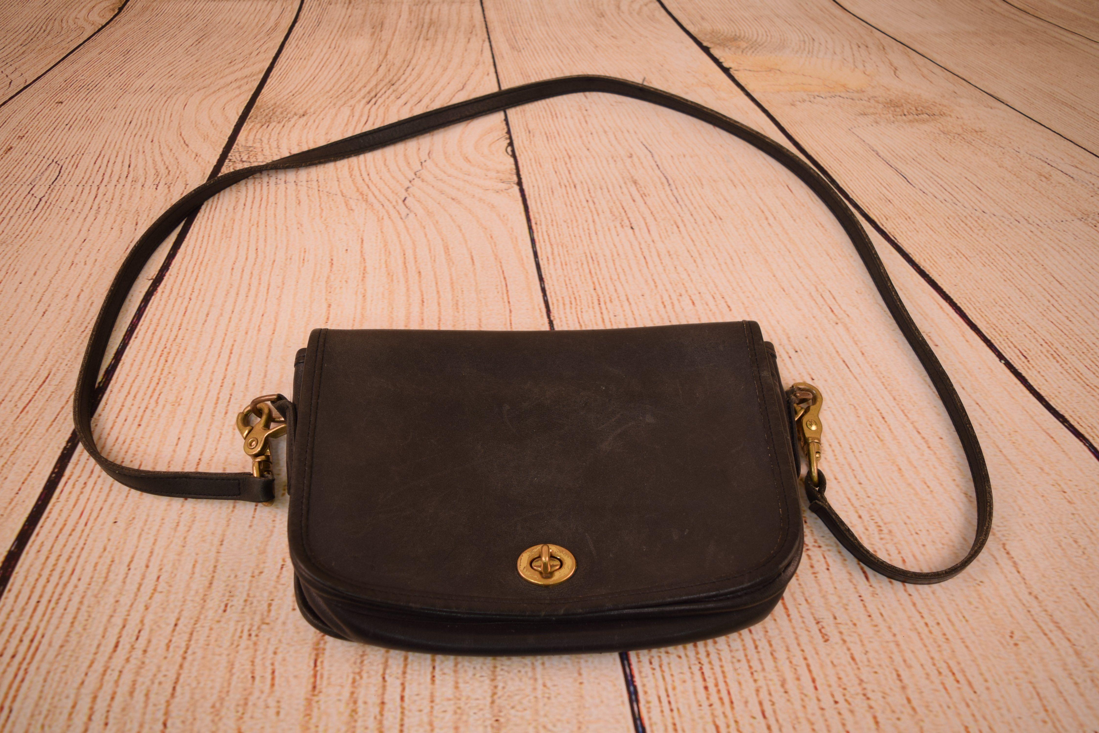 Vintage Coach Black Leather Purse 0158-343