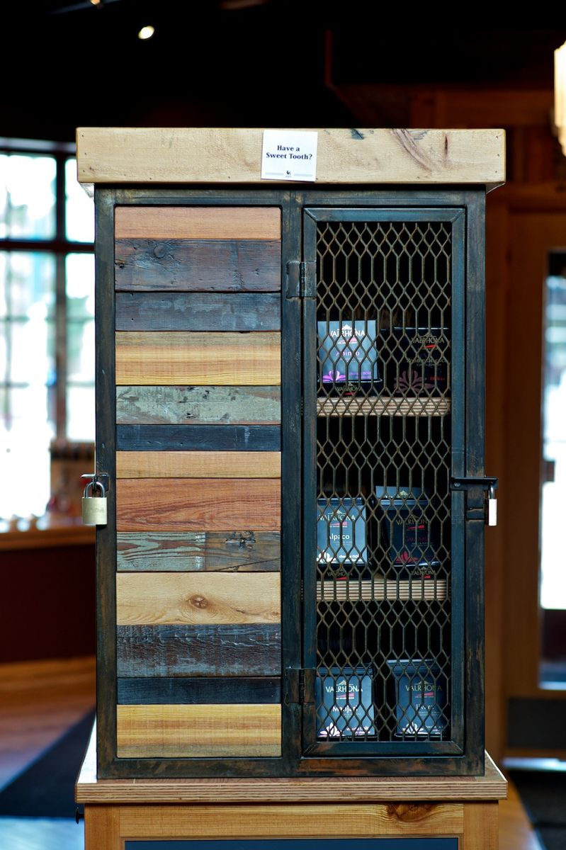 360 Degrees | Cafe Benelux  {restaurant design, merchandise cabinet, reclaimed wood, milwaukee}