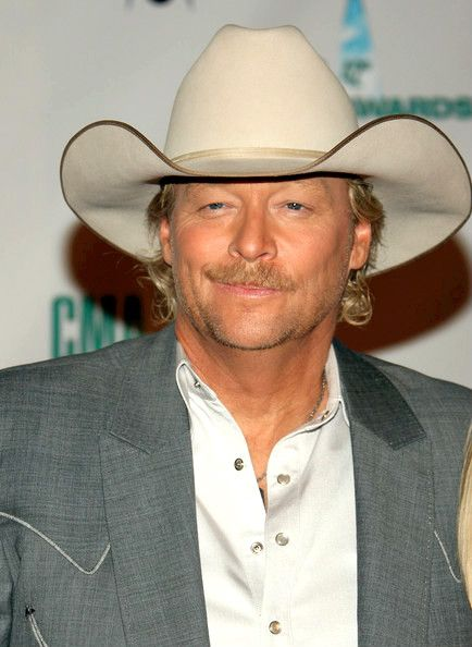 Alan Jackson With Images Alan Jackson Country Musicians