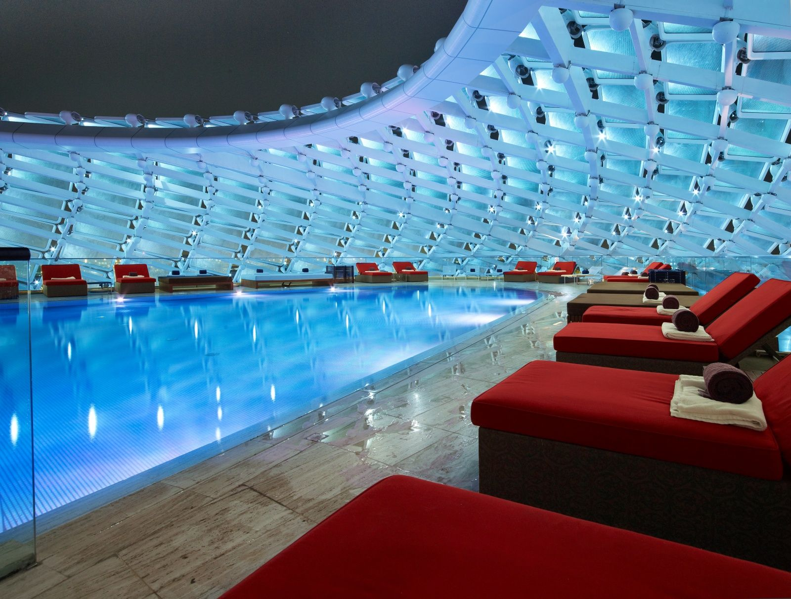 The yas viceroy hotel in abu dhabi features 2 rooftop - Hotels in abu dhabi with swimming pool ...