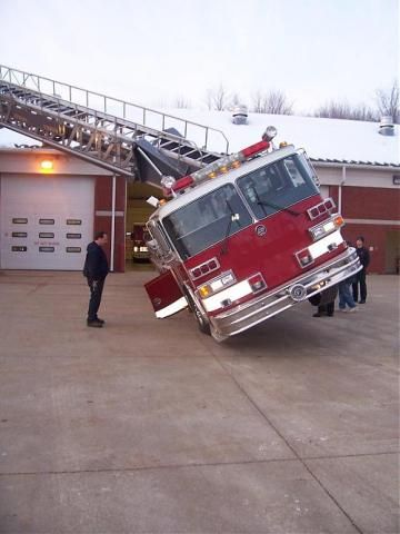 Pierce Ladder Truck Bad Day With Images Fire Trucks Trucks
