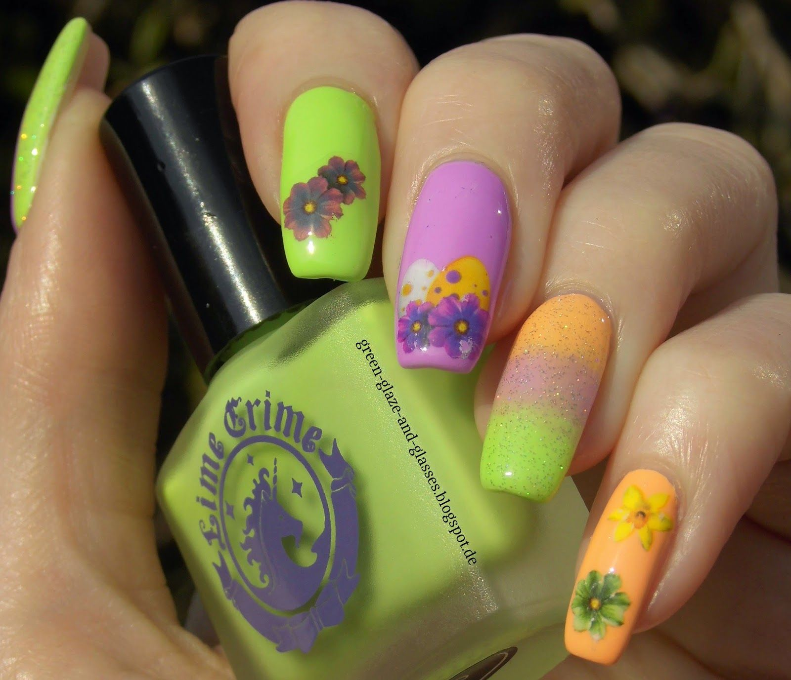 Green, Glaze & Glasses: Eggcellent Ideas - Oster Themenwoche - Österliches Nageldesign (Easter Nail Design - Lime Crime Pastelchio, Lime Crime Peach Cream and Color Club + China Glaze Fairy Dust)