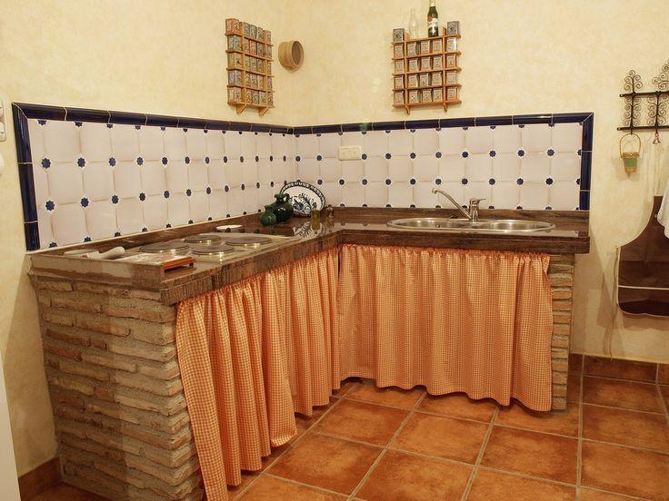 Resultado de imagen para cocinas con bajo mesada de obra - Cocina rustica pequena ...