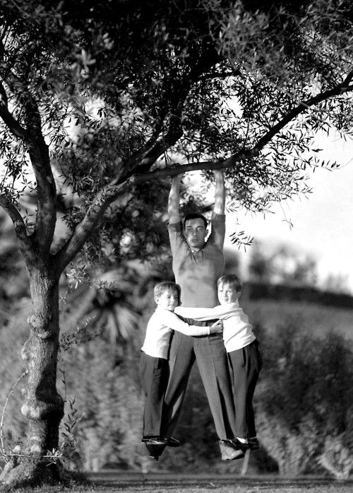 Buster Keaton His Sons With Images Movie Stars