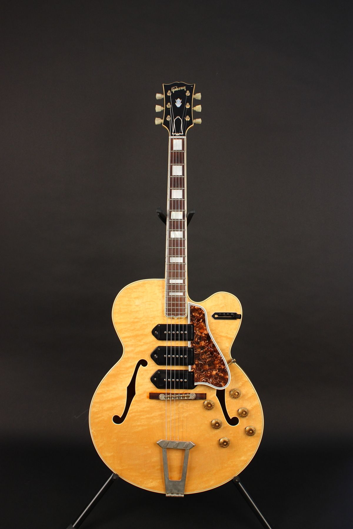 Thought to be the world s most beautiful Gibson…