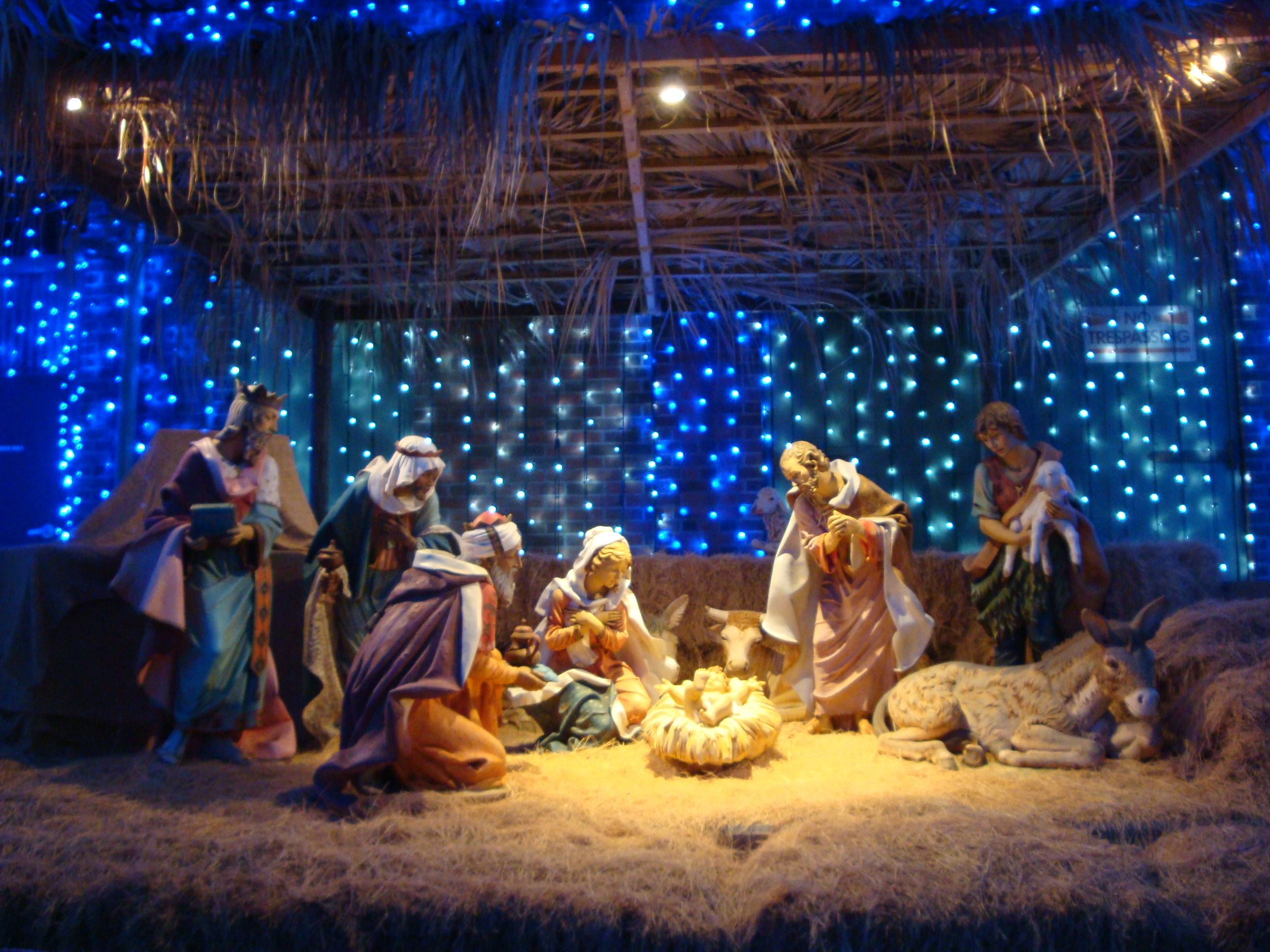 disney nativity | The Nativity scene from Disney's Hollywood ...