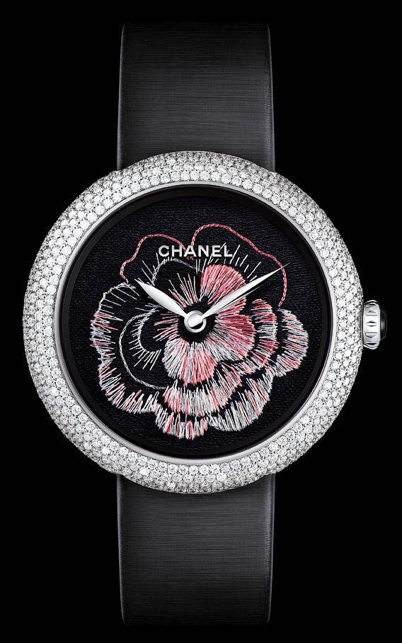 Montre chanel mademoiselle priv d cor cam lia brod prix de la montre m tiers d art au for Montre decoration