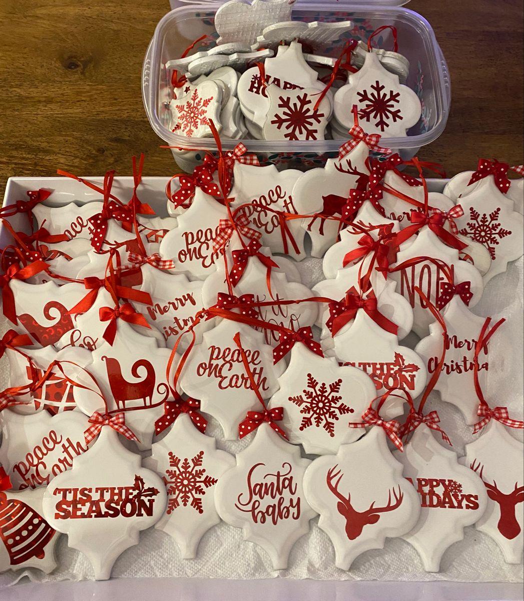 Tile Christmas Ornaments Christmas Ornaments Homemade Cricut Christmas Ideas Vinyl Christmas Ornaments