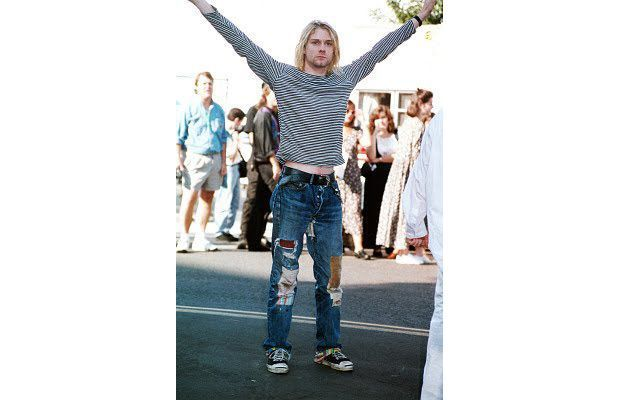 70. Ripped jeans - The 90 Greatest '90s Fashion Trends | Complex