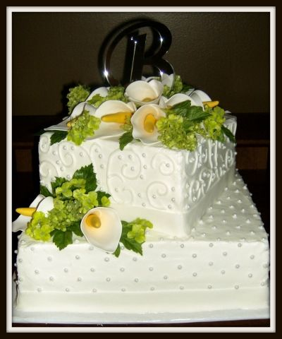 Wedding Cake By lovetocreate on CakeCentral.com