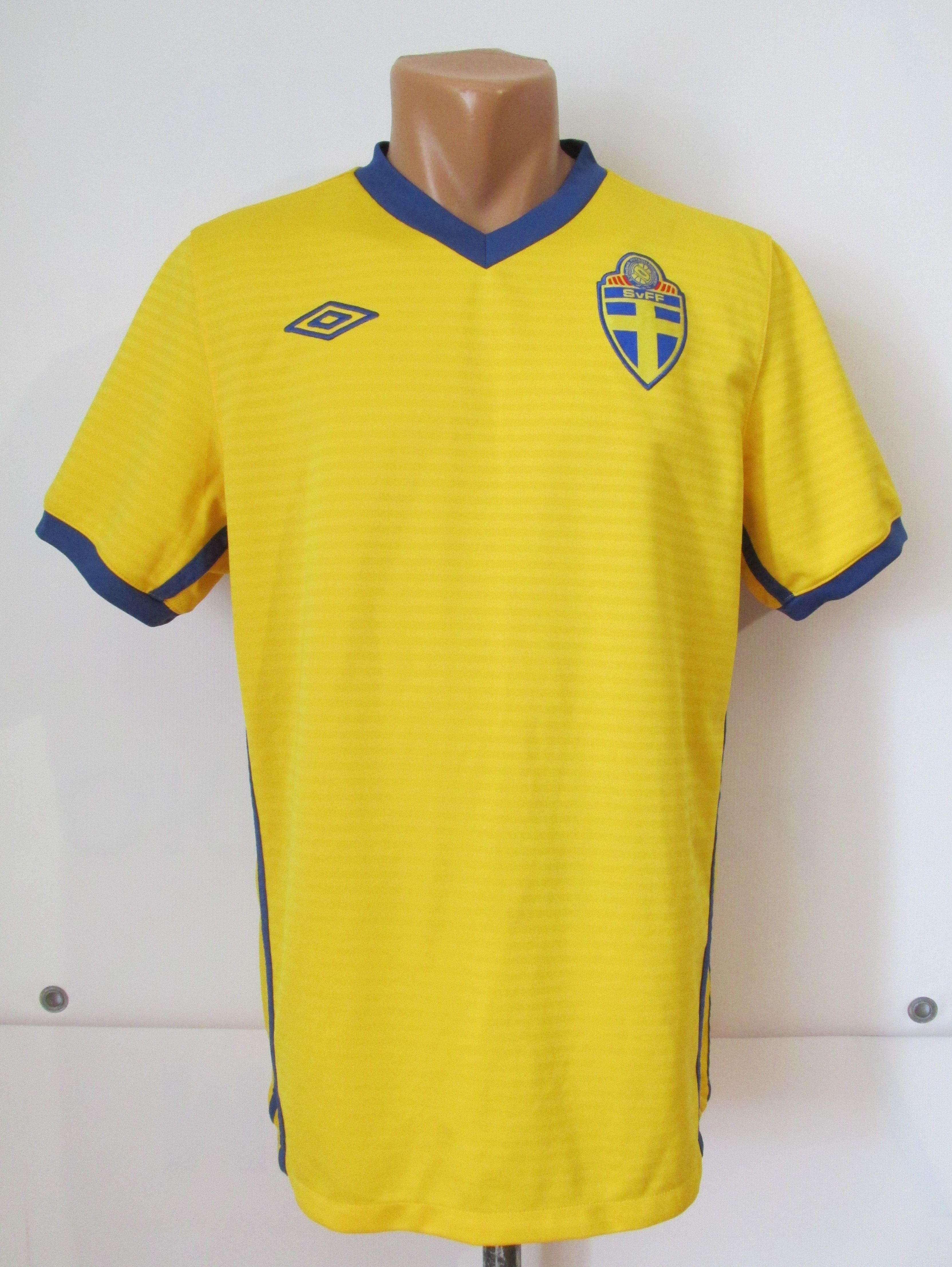 check out 68646 93bf2 Details about SWEDEN 2010/2011 HOME FOOTBALL SHIRT SOCCER ...