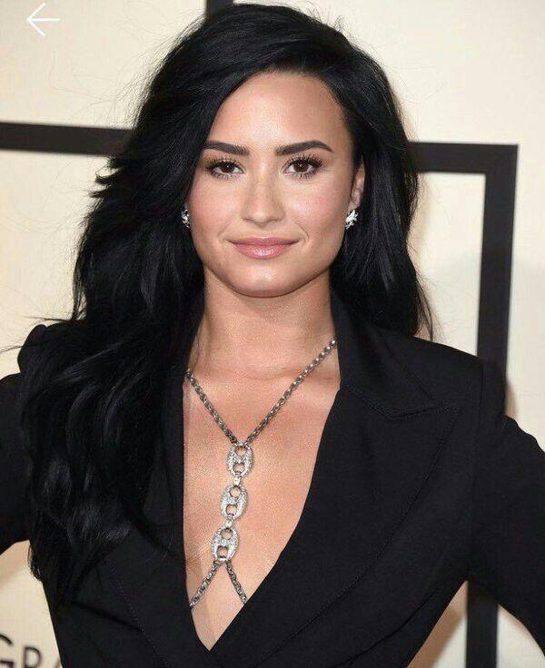 Demi Lovato -The Grammys