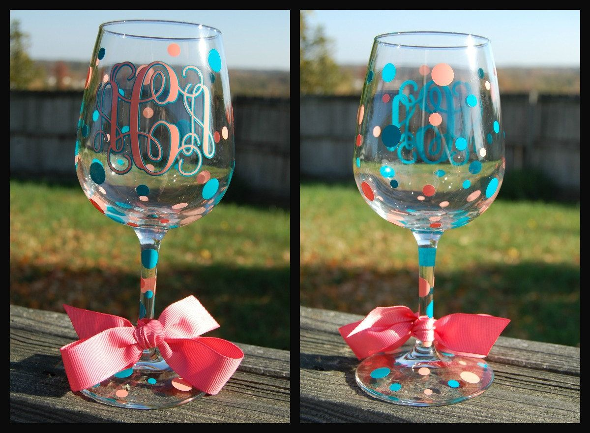 Glass decoration ideas - Great Gift Idea Monogram Wine Glasses Decorated In Vinyl With Ribbon Accent Via Etsy