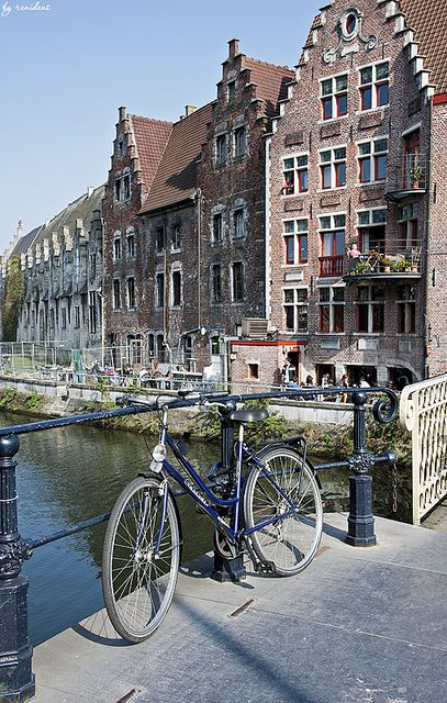 Ghent is awesome, awesome, awesome. If you are going to Belgium take the time to visit, it's worth it.