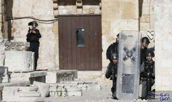 قوات الاحتلال تغلق مفرق بلدة الرام شمال…: قوات الاحتلال تغلق مفرق بلدة الرام شمال القدس المحتلة بالمكعبات الاسمنتية في هذه الأثناء