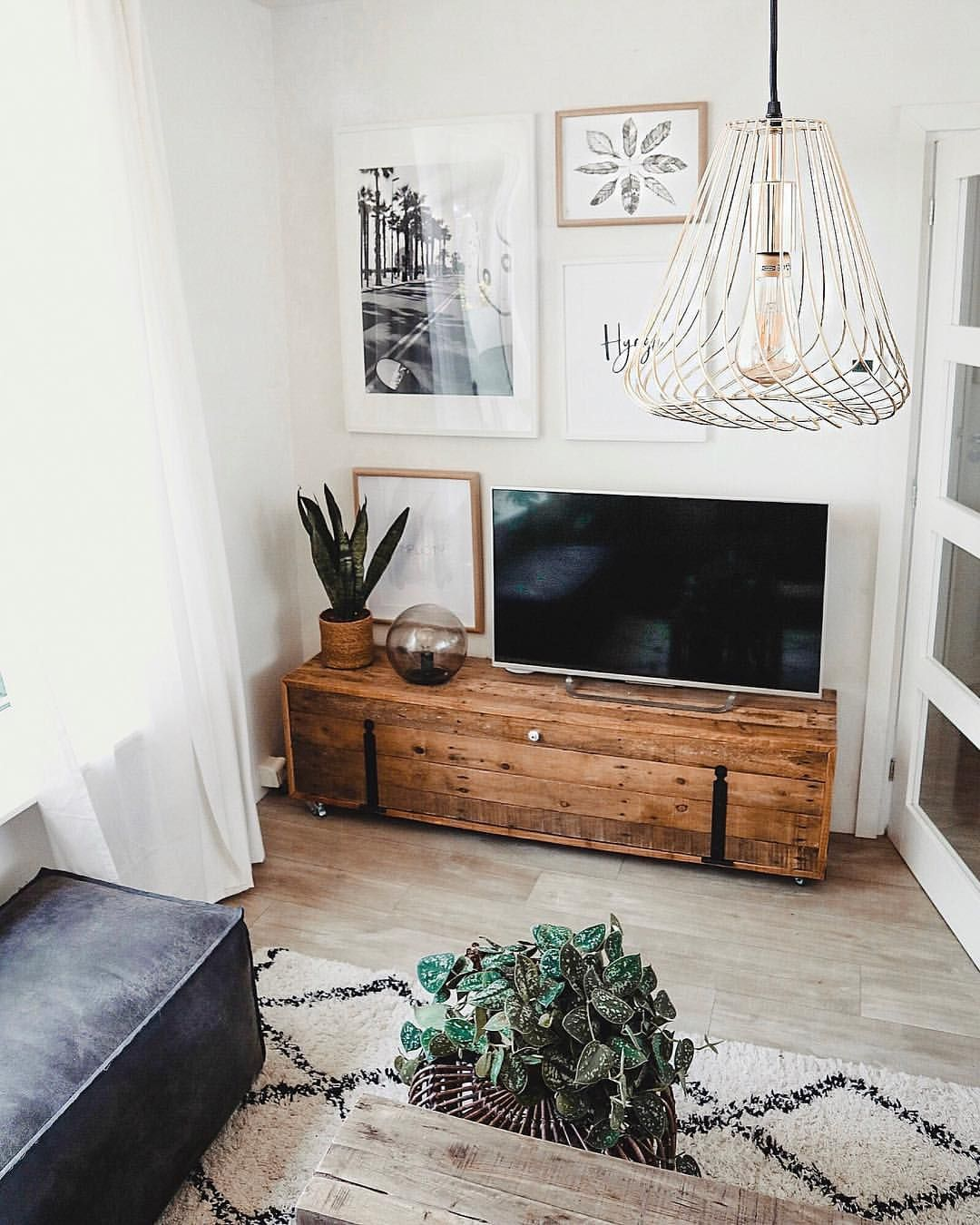 Marit  my styling diary on instagram  cr     na uur staan nu echt even de voetjes omhoog en relaxmodus aan beetje gesloopt maar gewoon lekker also best living room space images in bedrooms diy ideas for rh pinterest