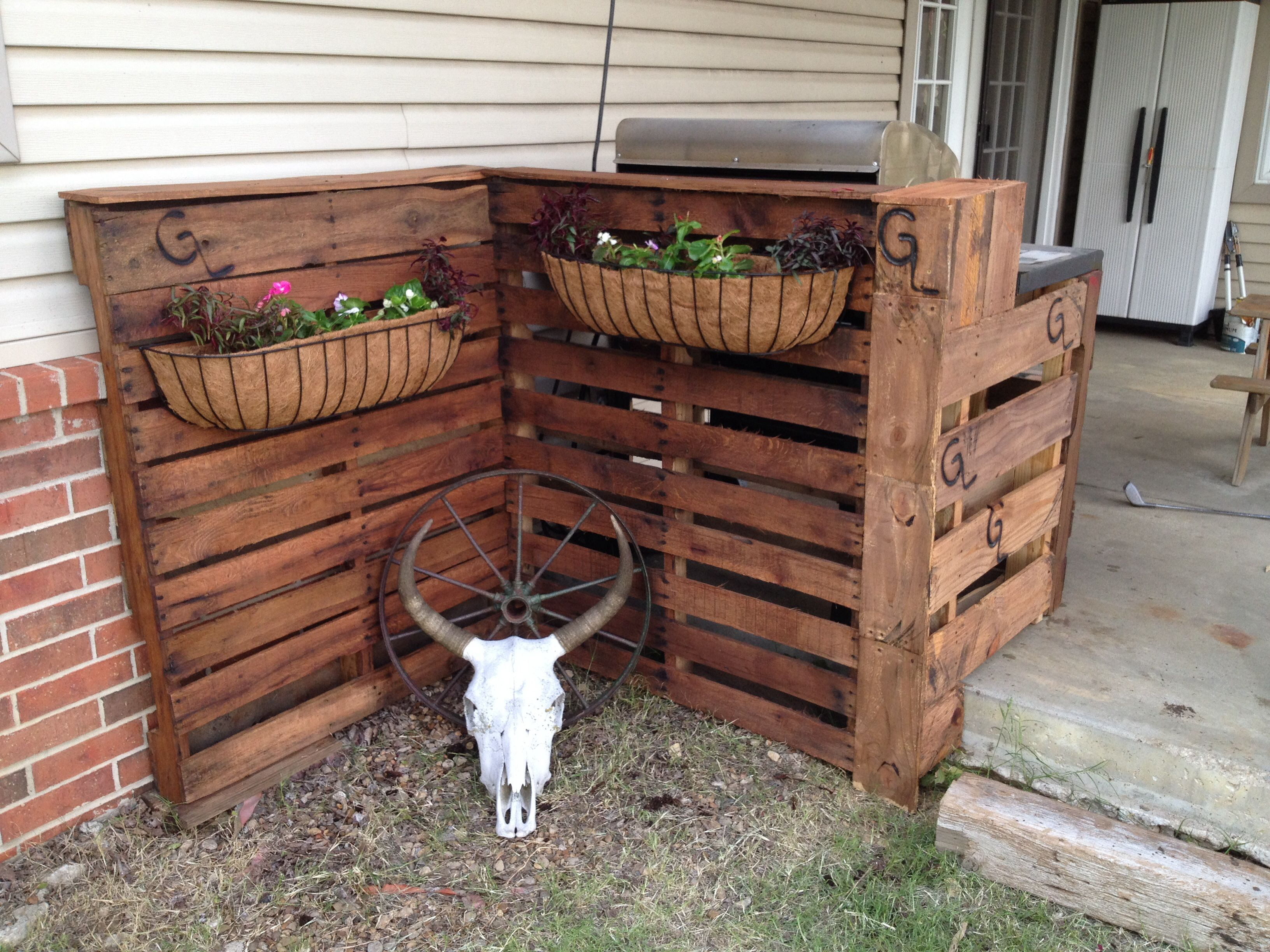 Pallet Grill Cover Plethora Projects