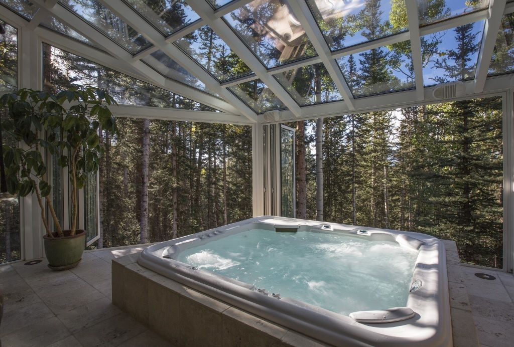 Celebrity Houses And Real Estate Hot Tub Room Indoor Hot Tub Hot Tub Outdoor