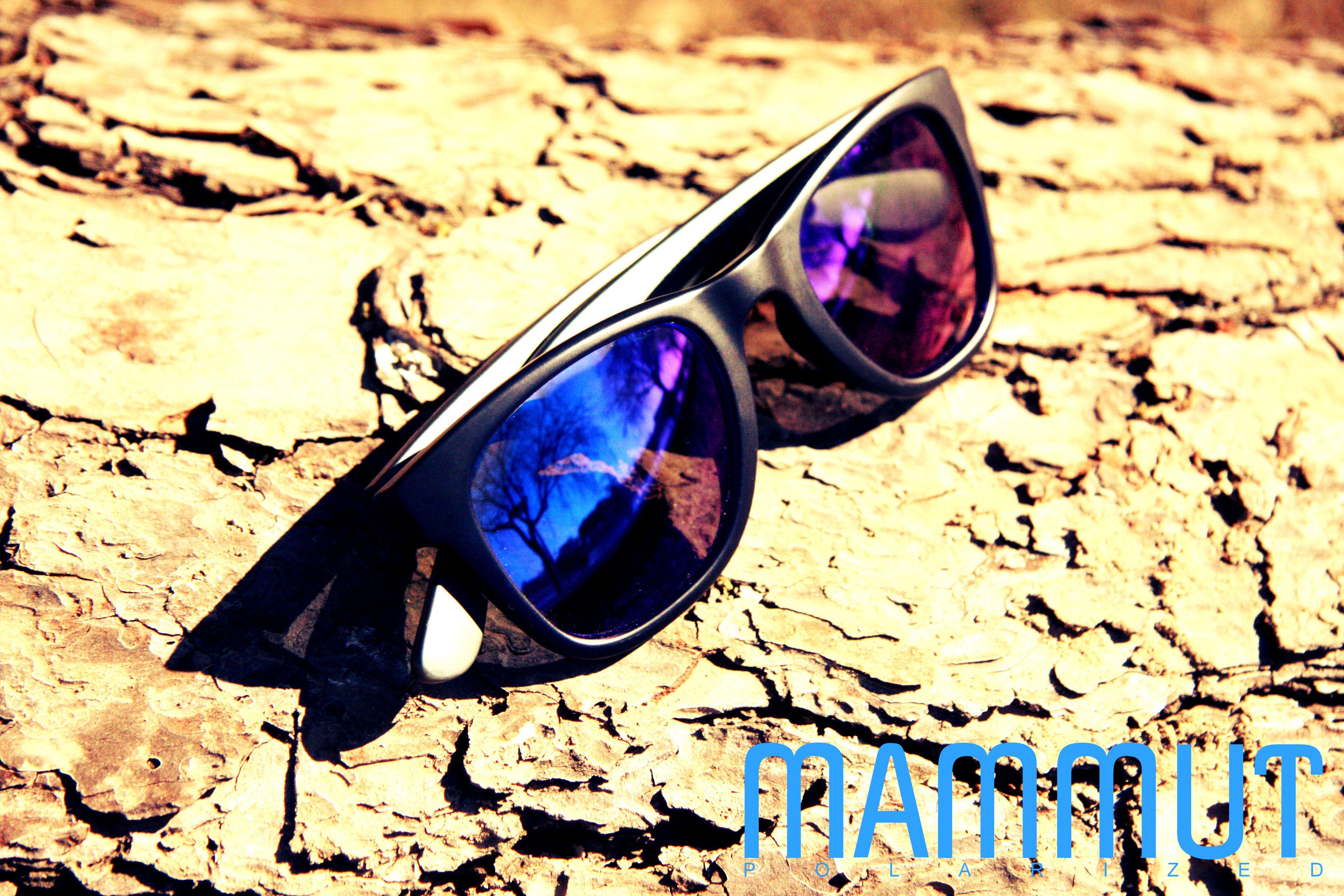 Modelo #Apalache con montura negra y lente de espejo azul ...