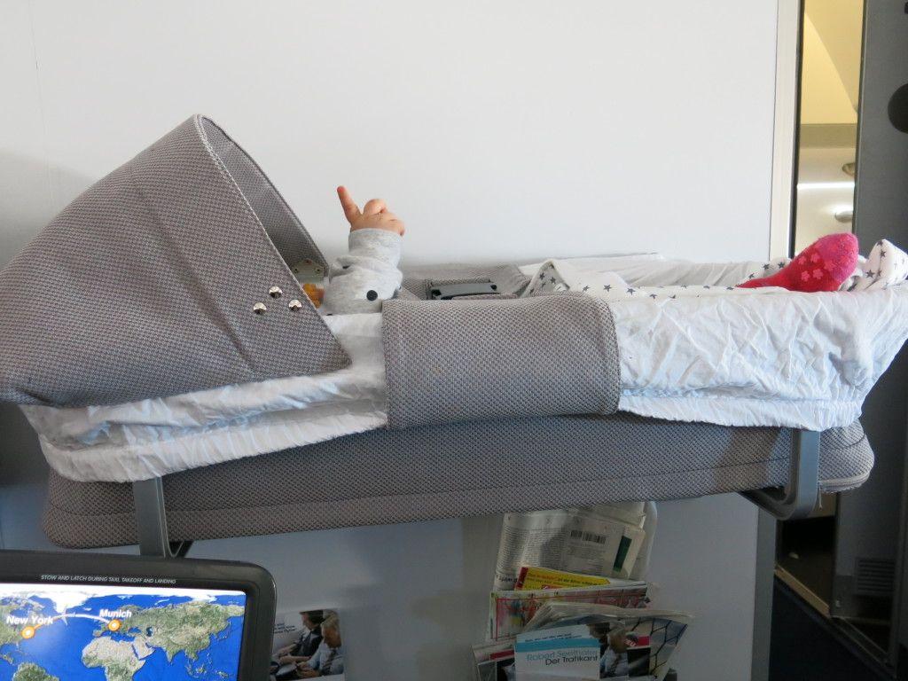 lufthansa fliegen mit baby