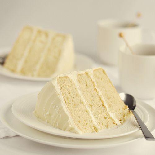Kakeladis Original Wasc White Almond Sour Cream Cake