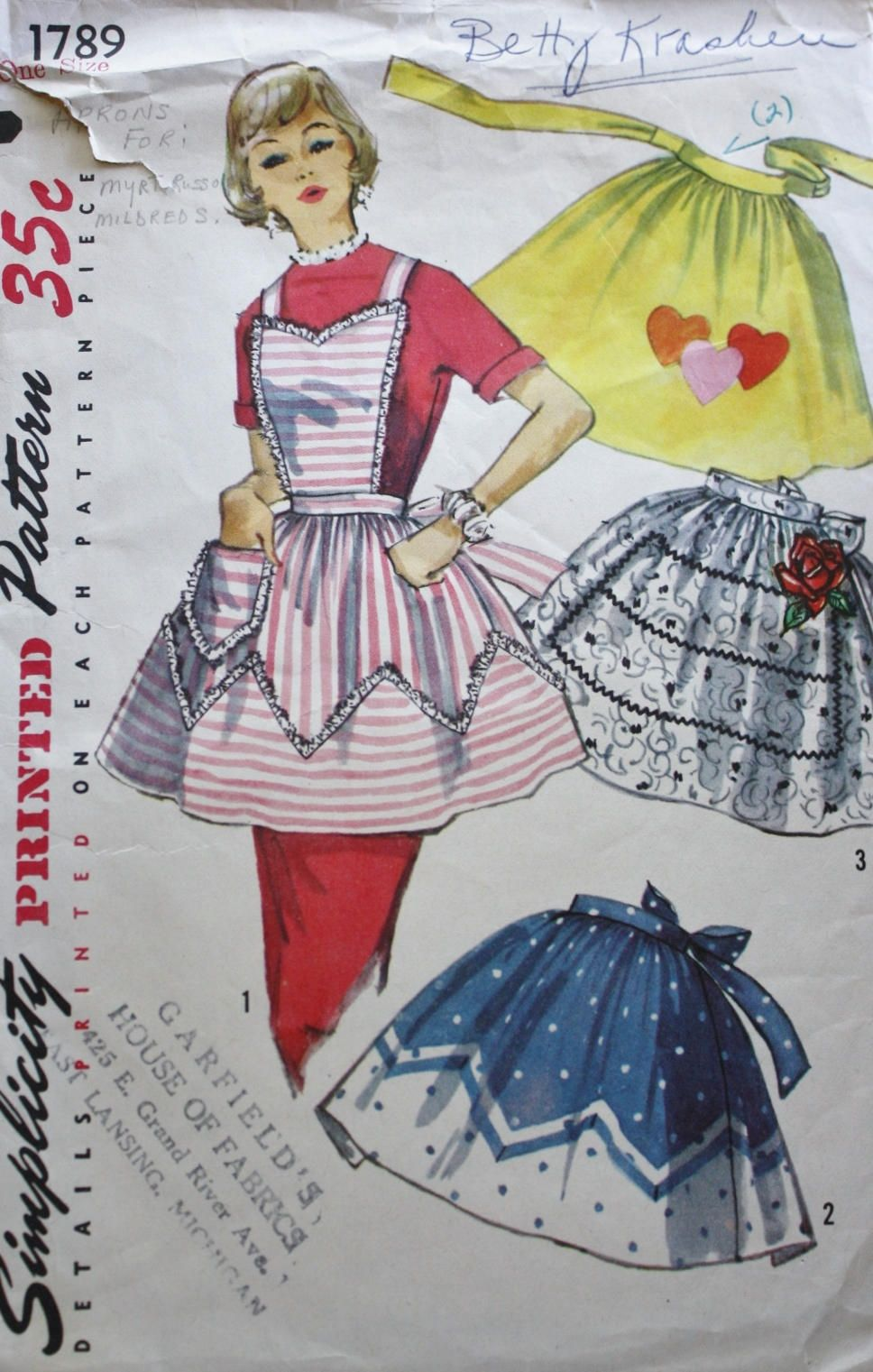 Apron /Simplicity 1789/ 1950s /Valentines/Ruffled/ Housewife