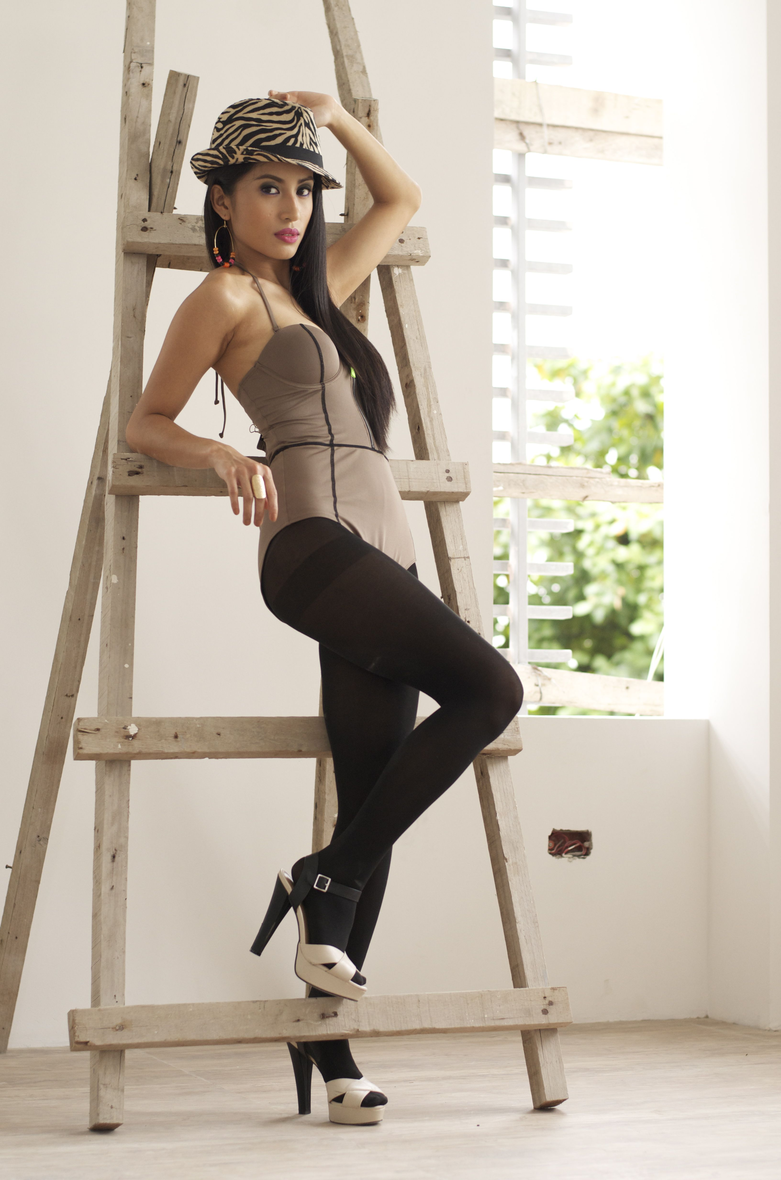 Model: CAMILLE MENDOZA Photo: REY FERNANDEZ Hair&makeup: MISSY RIVERA Stylist: IRISS MANGIO