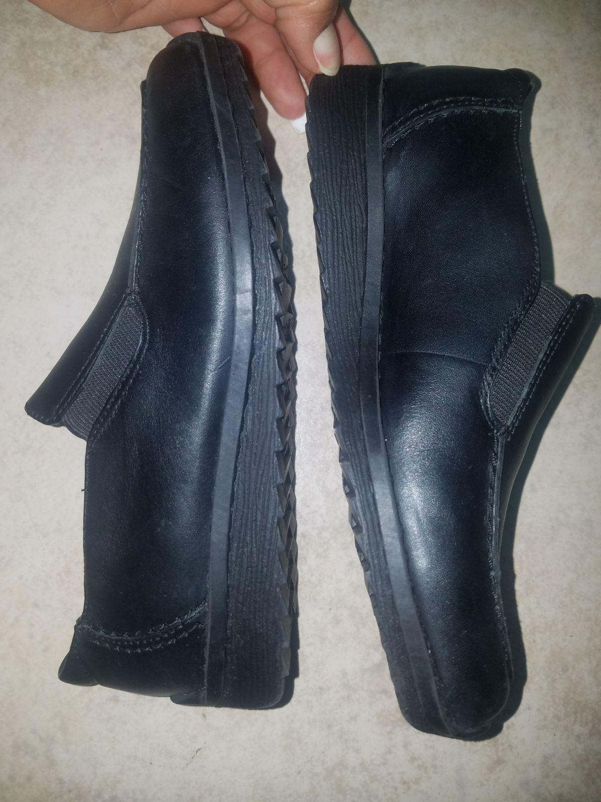 school shoes size 1.5