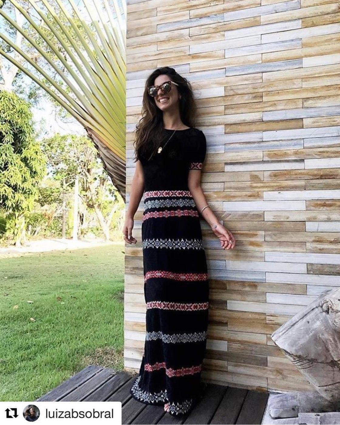 Vestido-tricô-longo-jaquard-rendado