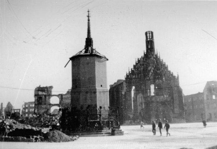 jan 2 1945 destroyed the city of n rnberg only the sch ner brunen was undamaged due to cement. Black Bedroom Furniture Sets. Home Design Ideas