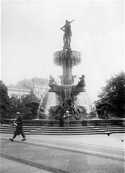 Berlin 1931 Herkules Brunnen Am Luetzowplatz Berlin Lutzowplatz