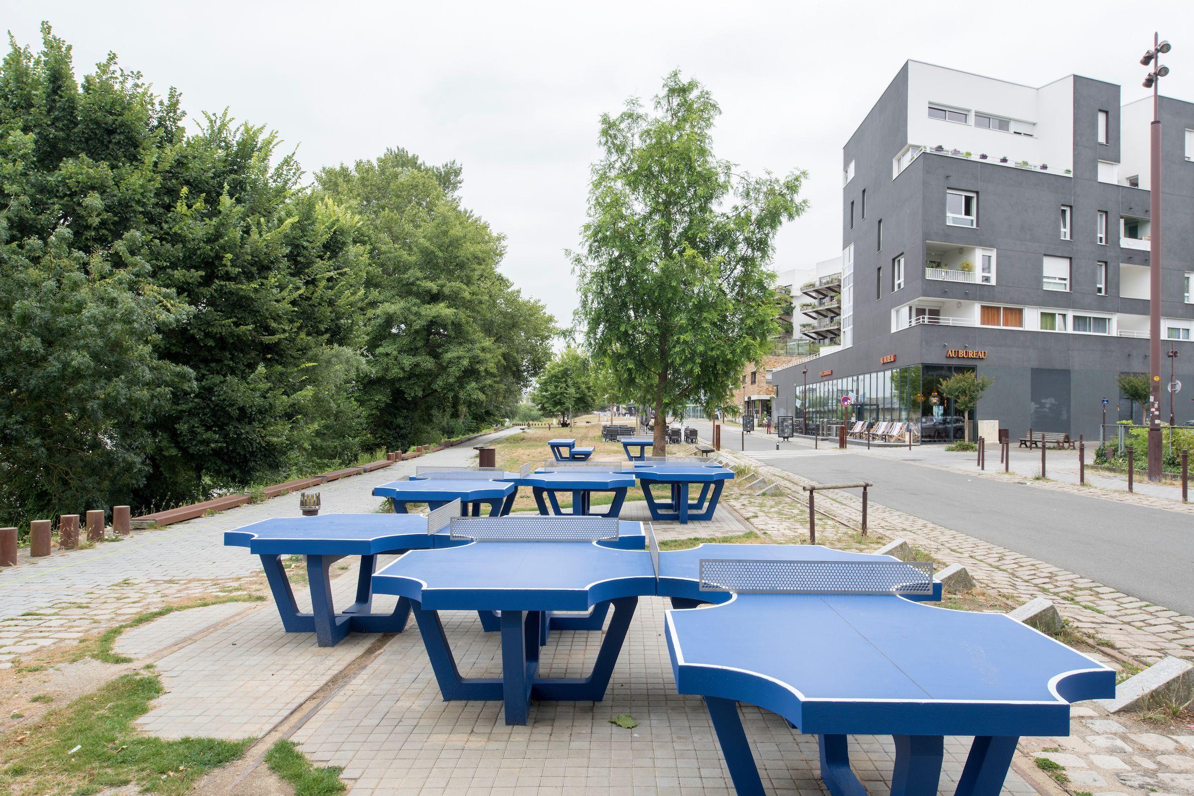 ping pong park laurent perbos quai fran ois mitterrand aire de jeux playground aire de. Black Bedroom Furniture Sets. Home Design Ideas