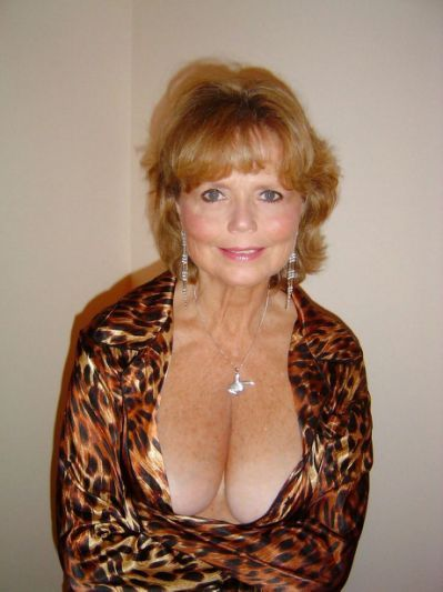 Pin On Mature Cleavage-8218